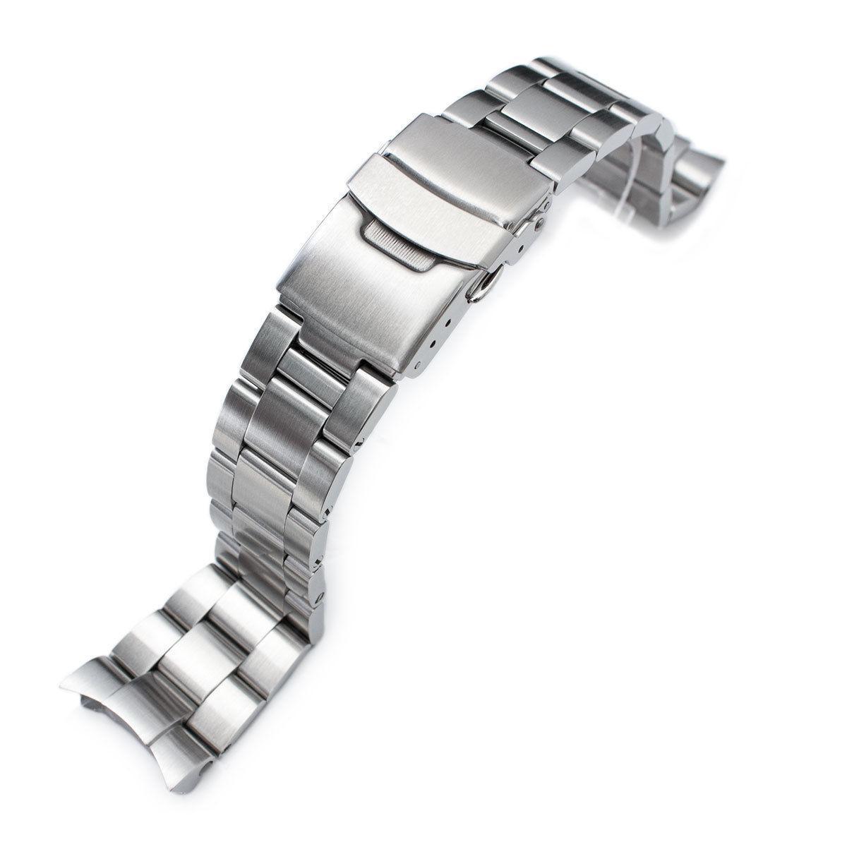 Кожаный, стальной и каучуковый браслет в наручных часах…